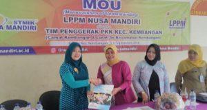Suasana penandatanganan MoU LPPM STMIK Nusa Mandiri Jakarta dengan Tim PKK Kembangan, Jakarta Barat.